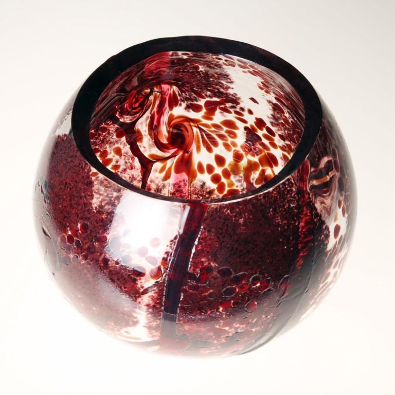 katerina-smolikova_foukane-sklo_red-bowl-2006_02